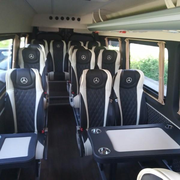 bus-mercedes-wnetrze